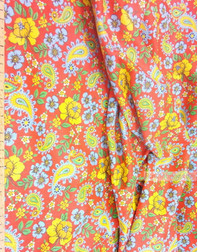 Tissu folklorique au metre ''Field Flowers With Paisley On A Red''}