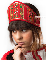 Red kokoshnik ''Dunya'' with ribbons