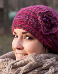 Flower hand knit beret
