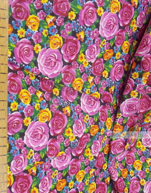 Tissu coton fleuri au metre ''Pink Roses With Blue Flower On Black''}