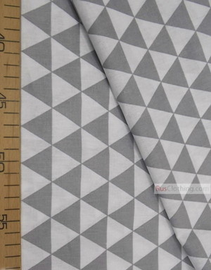 Baby fabric by the Yard ''Gray and White Triangles''}