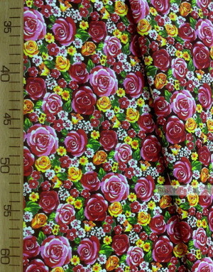 Tissu coton fleuri au metre ''Red Roses With A White Flower On Black''}