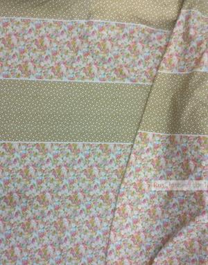 Tissu coton fleuri au metre ''Delicate Flowers On White, With Border''}