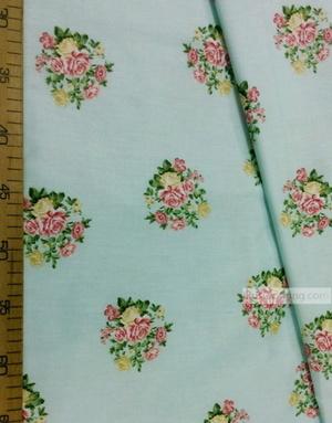 Tissu coton fleuri au metre ''Bouquet Of Roses On A Gentle Mint''}