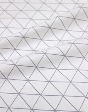 {[en]:Poplin cotton ''Geometric triangels grey''}