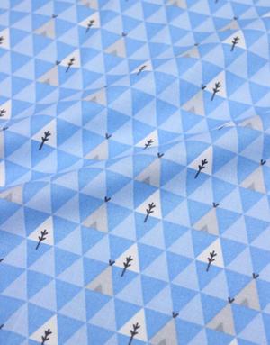 {[en]:Poplin cotton ''Geometric wigwams light blue''}