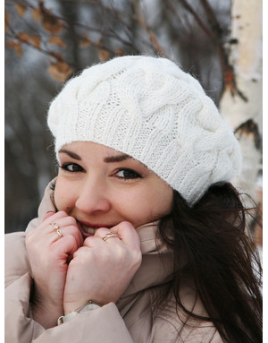 White cable hand knit beret