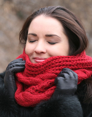 Burgundy infinity knit scarf