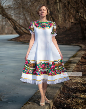 Russian dress Pavlovo Posad