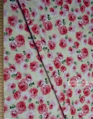 Tissu coton fleuri au metre ''Medium, Roses On A Cream Field''}