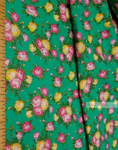 Tissu coton fleuri au metre ''Pink, Yellow Roses On Emerald''}