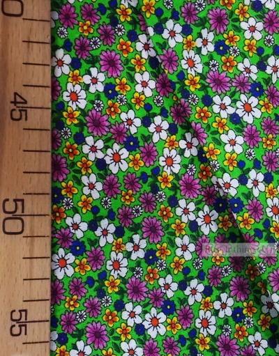 Tissu coton fleuri au metre ''Small Wildflowers On A Light Green''}