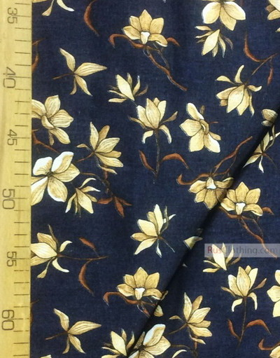 Tissu coton fleuri au metre ''Magnolia Flowers On A Dark Blue Field''}