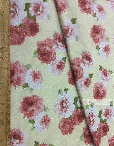 Tissu coton fleuri au metre ''Large, Roses On A Cream Field''}