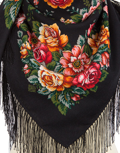 Wool shawl ''Town of roses''