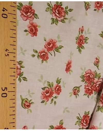{[en]:Russian pattern cotton fabric Red flowers}